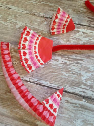 Easy Valentine Craft Ideas- Cupcake Cup Cupid's Arrow