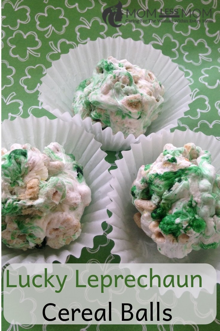 Make these easy Lucky Leprechaun Cereal Balls this St.Patrick's Day! #recipe #stpatricksday